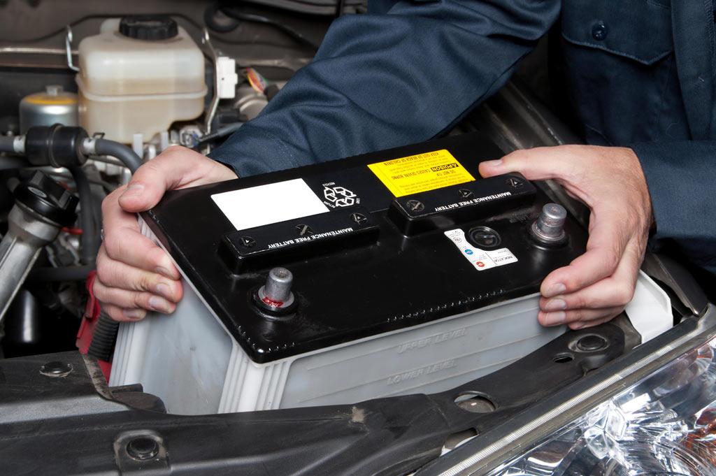 Neumáticos A. Moreno: tu taller de servicios de mecánica rápida, cambio de batería y cambio de neumáticos