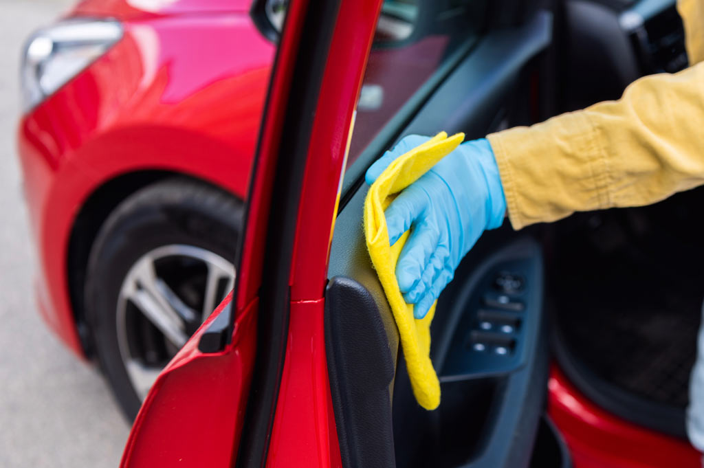 Deja tu coche libre de coronavirus en 5 minutos y sin esfuerzo en Talleres A. Moreno con nuestro sistema Metamorfosis Clean Power COVID-19.