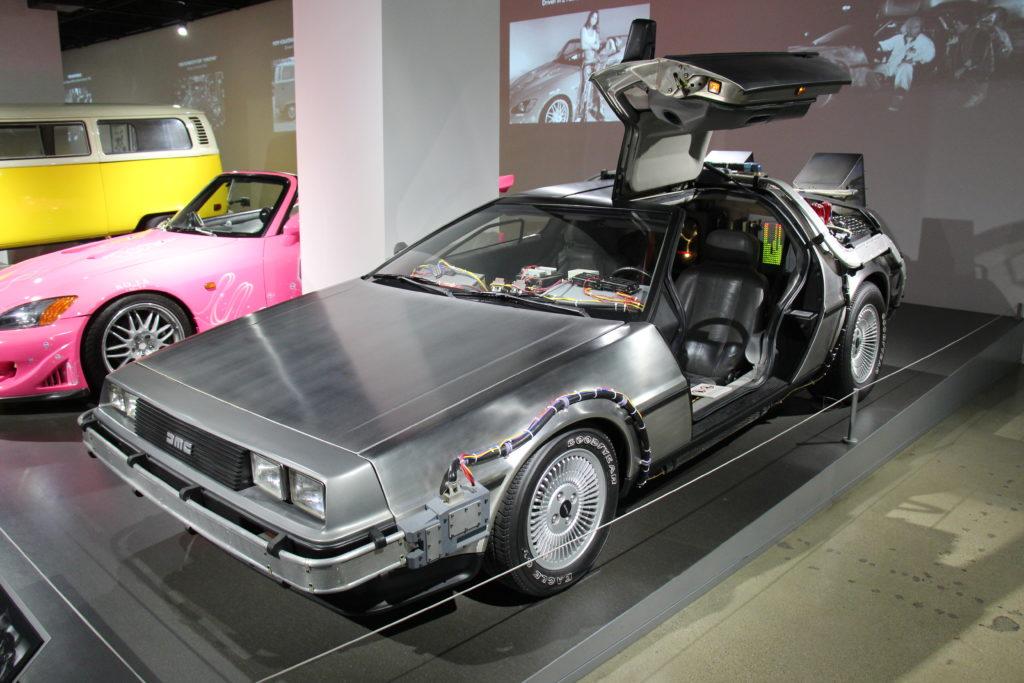 """Signac: La Máquina del Tiempo Delorean, el coche de cine de """"Regreso al Futuro. Fuente: Wikimedia. Licencia Creative Commons 2-0"""
